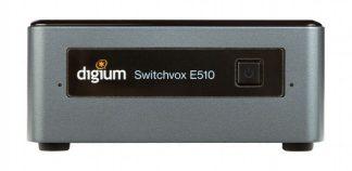 Switchvox E510 là một thiết bị nhỏ gọn với sức mạnh máy tính để thúc đẩy truyền thông kinh doanh của bạn. Được trang bị một bộ xử lý 4 nhân, ổ SSD, và tất cả các tính năng Unified Communications (UC) tiên tiến của Switchvox, E510 cung cấp cho các doanh nghiệp nhỏ một hệ thống truyền thông hiện đại với giá cả phải chăng. E510 hỗ trợ tối đa 150 điện thoại và 50 cuộc gọi đồng thời, cho phép các doanh nghiệp nhỏ đạt được khả năng mở rộng vô song. Khi doanh nghiệp của bạn phát triển, bạn có thể dựa vào E510 để phát triển cùng với bạn.